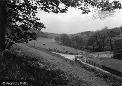 Chirk, A Glimpse Of The Aqueduct 1939