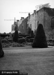 Chirk, Castle And Gardens 1952