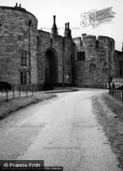 Chirk, Castle, The Approach And Gatehouse 1948