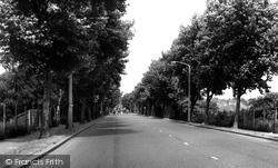 Chiswick, Chertsey Road c.1960