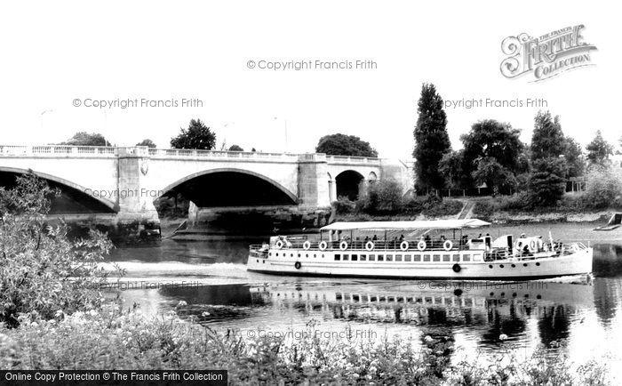 Chiswick, Chiswick Bridge c1960