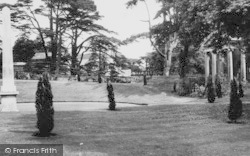 Chiswick, Chiswick House Grounds c.1960