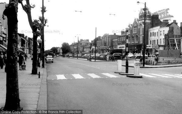 Chiswick, High Road c1955