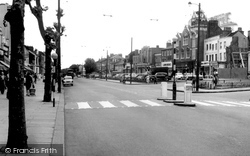 Chiswick, High Road c.1960