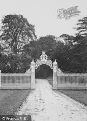 Cholmondeley, The Castle,  White Gates c.1940, Cholmondeley Castle