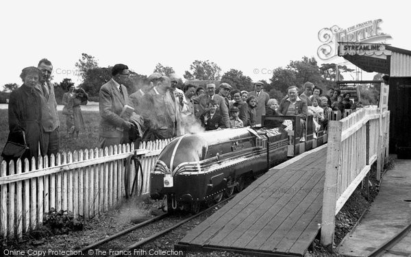 Christchurch, Miniature Railway, Wick Ferry Holiday Camp c1955
