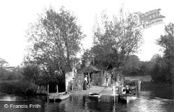 Wick Ferry, West Landing 1900, Christchurch