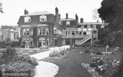 Church Stretton, The Hotel c.1935