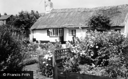 Thatched Cottages c.1965, Churchtown