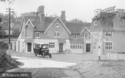 Churt, Bus, Pride Of The Valley Hotel 1924
