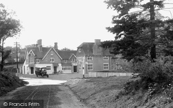 Churt, Pride Of The Valley Hotel 1924