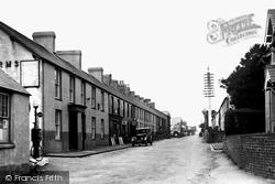 Chwilog, Main Street c.1945