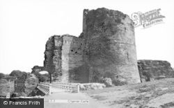 Cilgerran, Castle c.1960