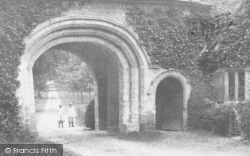 Cirencester, Girls At The Norman Arch 1902