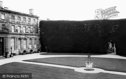 Cirencester, The Tallest Yew Hedge In England c.1965