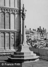 Cirencester, War Memorial c1960