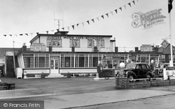 Clacton-on-Sea, Hunter's Moon Cafe c.1961