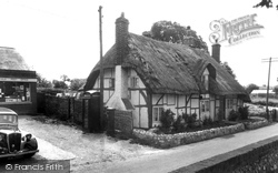 The Post Office c.1955, Clanfield