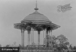 Common, Band Stand 1899, Clapham
