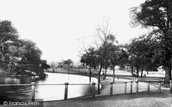 Pond And Bandstand 1898, Clapham