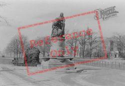 The Fountain 1899, Clapham