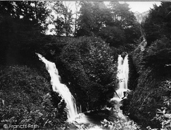 The Waterfalls c.1949, Clapham