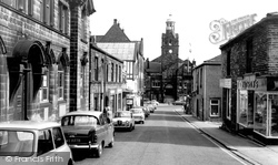Cleckheaton, Albion Street c.1965