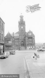 Cleckheaton, Town Hall c.1965