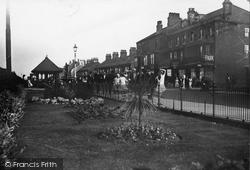 Cleethorpes, Kingsway Gardens c.1932