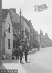 Market Place, Talking About Business c.1950, Cleobury Mortimer