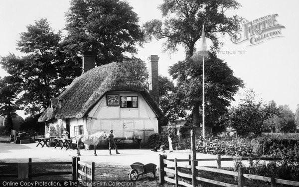 Photo of Clifton Hampden, The Barley Mow Inn 1890