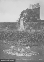 Clitheroe, Castle, The Gardens And War Memorial 1927
