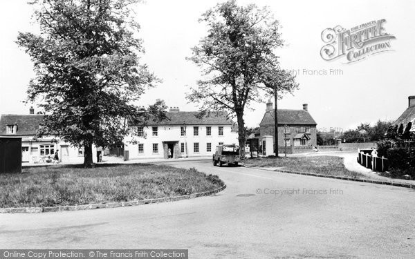 Clophill, the Green c1960