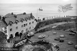 Clovelly, Red Lion Hotel And Old Lime Kiln 1935