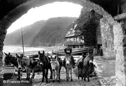 """Clovelly, """"The Unemployed But Always Ready For Work"""" 1908"""