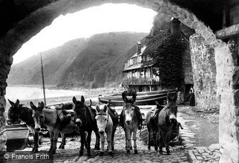 "Clovelly, ""the unemployed but always ready for work"" 1908"