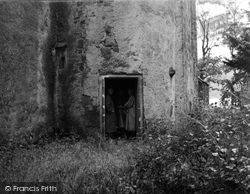 Clunie, Castle, Doorway 1957