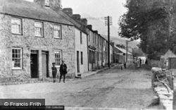 The Main Road c.1920, Clynnog-Fawr