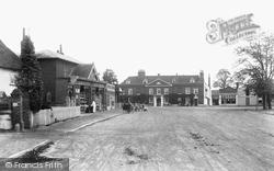 Cobham, 1903