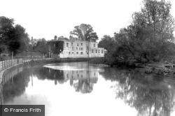Cobham, 1925