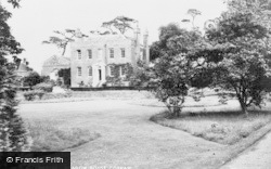 Cobham, Meadow House c.1960