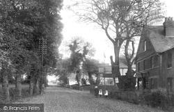 Cobham, Portsmouth Road 1904