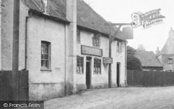 Cobham, The Kings Arms 1903
