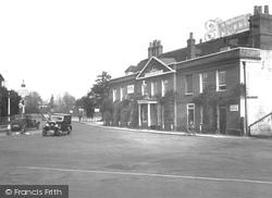 Cobham, White Lion Hotel 1932