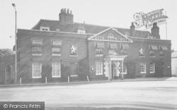Cobham, White Lion Hotel c.1960