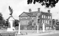 Colchester, The Hollytrees With The War Memorial From The High Street c.1950
