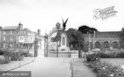 Colchester, The Memorial c.1965