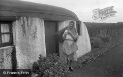 Coldingham, A Scottish Fish Wife And Crofters Cottage c.1932