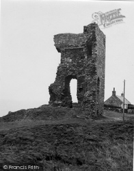 Old Slains Castle 1950, Collieston
