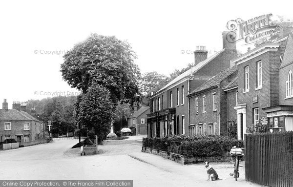 Photo of Coltishall, In The Village c.1935